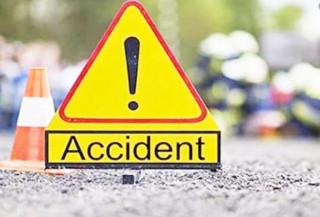 भक्तपुरमा रोकिराखेको टिपरमा ठोक्किँदा मोटरसाइकल चालकको मृत्यु