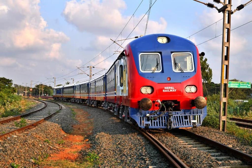नेपाली रेल आज जनकपुर आउँदै : यस्तो छ नयाँ रेलको भित्री तथा बाहिरी डिजाइन (तस्बिरहरु)